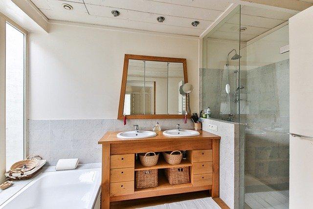 Compact Corner Shower