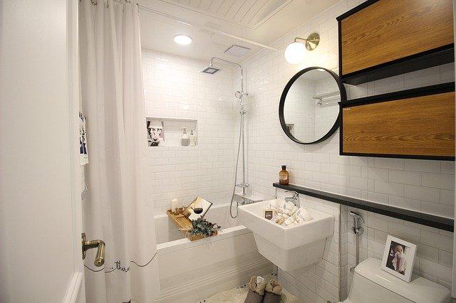 Copper Bathroom Fixtures in Small Walkin Shower